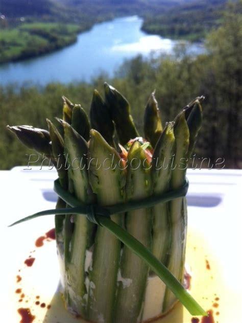 cuisiner asperge verte d asperges vertes au ch 232 vre et au saumon fum 233