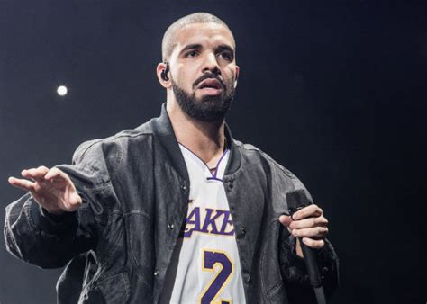 drake islam drake denies islamophobia accusations following hijab