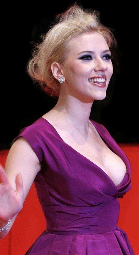 more proof scarlett johansson is perfect looking vanity fair 17 best images about on pinterest dubai spain and