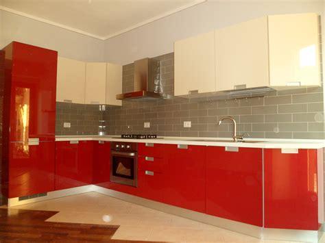 cucina e rossa cucina rossa e avorio laccata 187 centro cucine