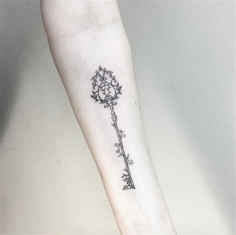 tattoo romawi antique key tattoo designs www pixshark com images