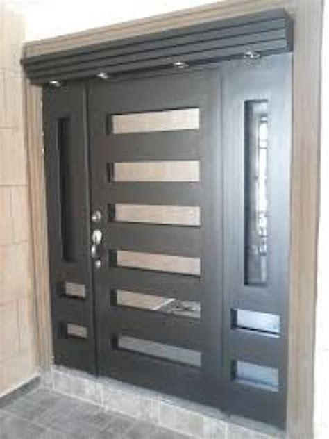 imagenes de zaguanes minimalistas foto puerta principal chocolate de cocinas y closets del