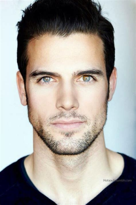 hairstyle for men with chiseled jaws mesdemoiselles ces beaux bruns aux yeux clairs n
