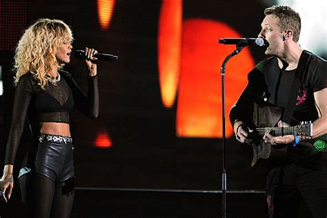 coldplay genre rihanna coldplay combine genres in grammy medley performance