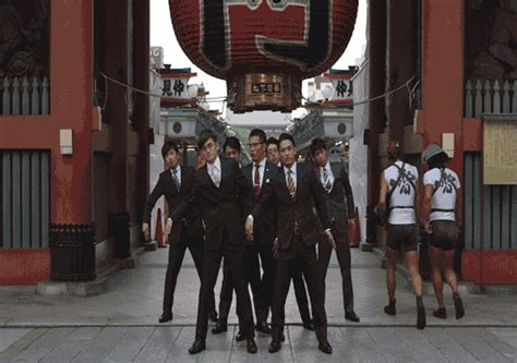 what is the order of dances at a wedding reception japanese band proves everything looks better in tailored