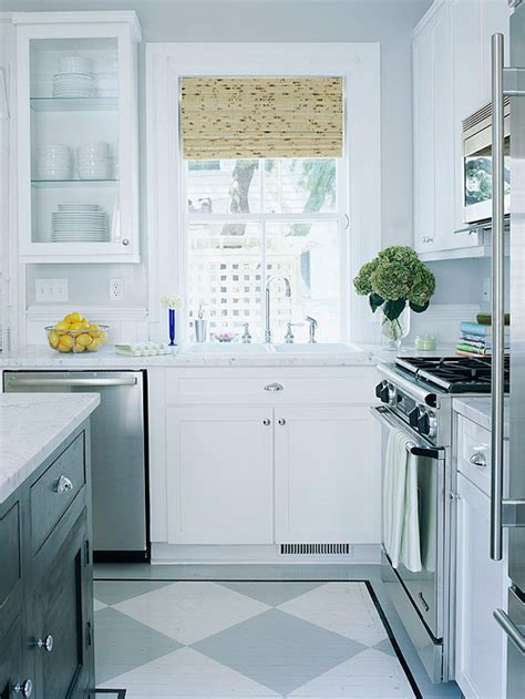 color pattern for kitchen make a small kitchen look bigger