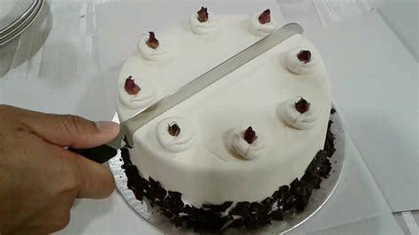 Cake Leveler Pemotong Kue happy new year 2017 let s some velvet cake potong kue tengah malam 01012017