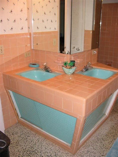colored bathroom sinks 25 best ideas about 1950s bathroom on pinterest mint green bathrooms green