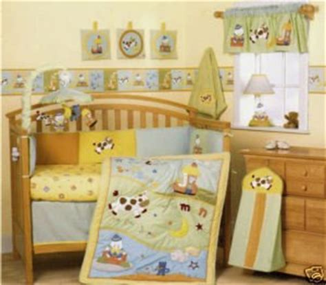 Amazon Com Storybook Classic Nursery Rhyme Themed Crib Nursery Rhyme Crib Bedding