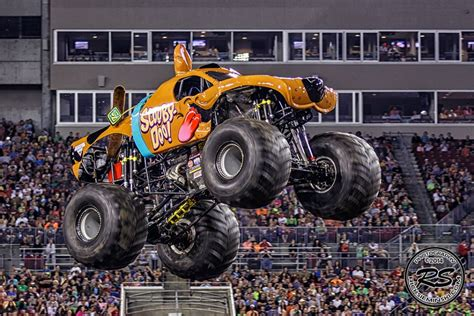 scooby doo monster truck video 2014 monster jam at ta s raymond james stadium feb 2nd