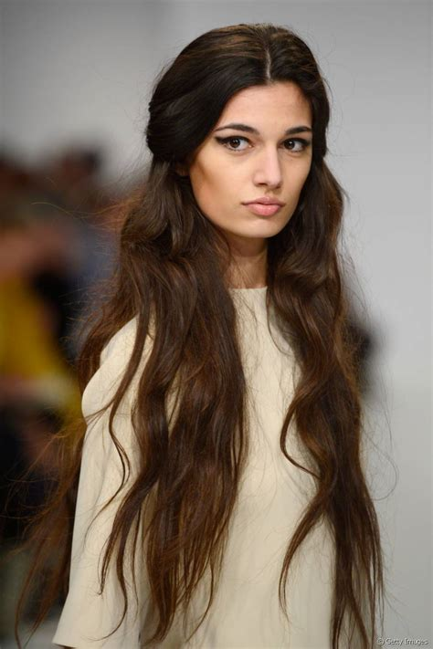 haircuts for extra long straight hair top 3 trendy hairstyles for very long hair