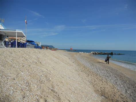 porto recanati spiagge bagnini senza sabbia a porto recanati cronache maceratesi