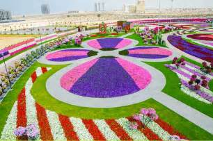 World Largest Flower Garden In Dubai Dubai Miracle Garden World Flower Garden Xcitefun Net