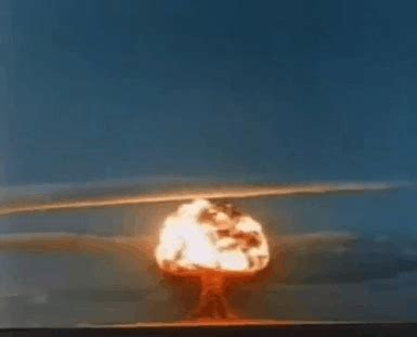 film ontploffing china nuclear bomb explosion animated gifs best animations