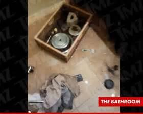 Houston Died In Bathtub by Houston The Tub Mediabristo