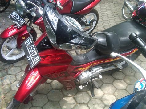 Jupiter Z Yeris Tahun 2011 koleksi modifikasi motor jupiter z 2008 warna merah