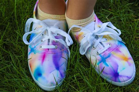 diy tie dye shoes diy tie dye shoes diy