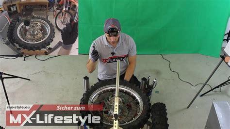Youtube Motorradreifen Wechseln by Der Einfachste Weg Einen Reifen Zu Wechseln Wenn Man