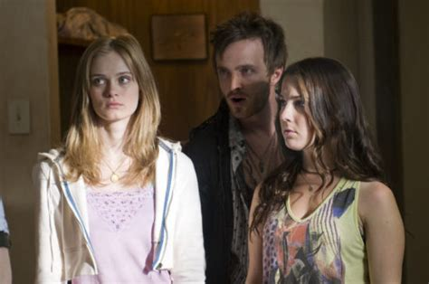 last house on the left cast wes craven on why last house on the left is a remake for our times blastr