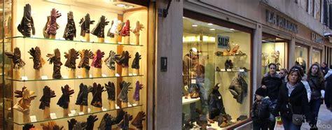 best shopping in venice mercerie shopping area of venice