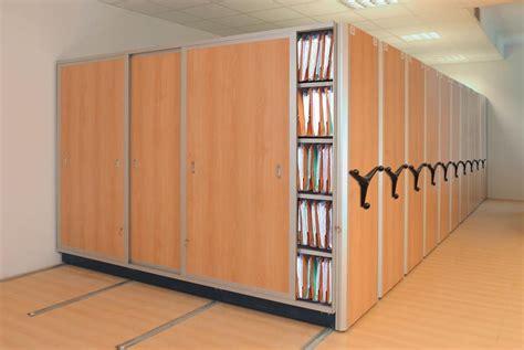 scaffali compattabili archivi mobili scaffalature compattabili mecalux it