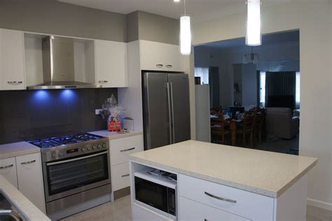 Bathroom Renovation Yarraville Joncol Kitchen Bathroom Open Plan Renovation And Repaint