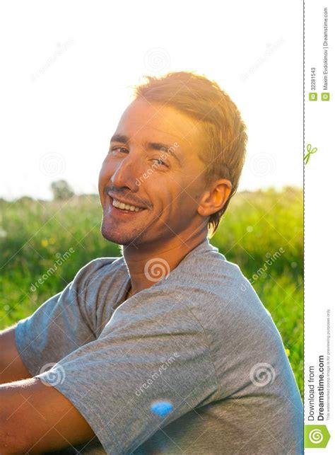 naturm bel portrait de bel homme courageux image stock image