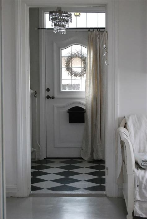 hanging curtains in doorway 27 best images about front door curtain on pinterest