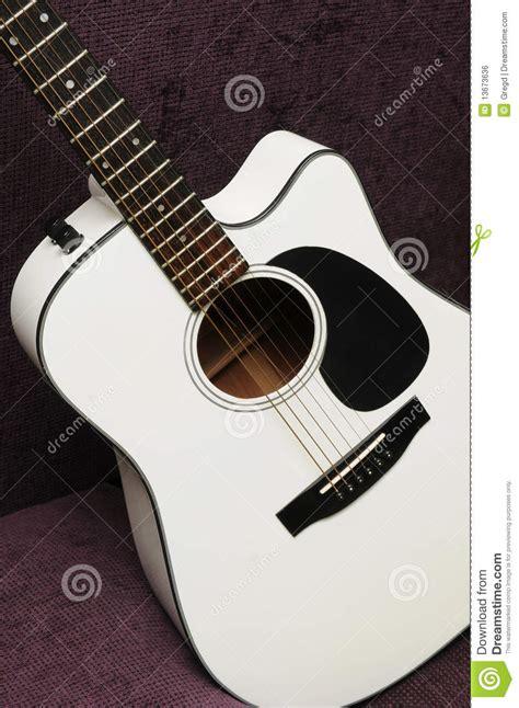 imagenes guitarras blancas guitarra ac 250 stica blanca imagen de archivo libre de