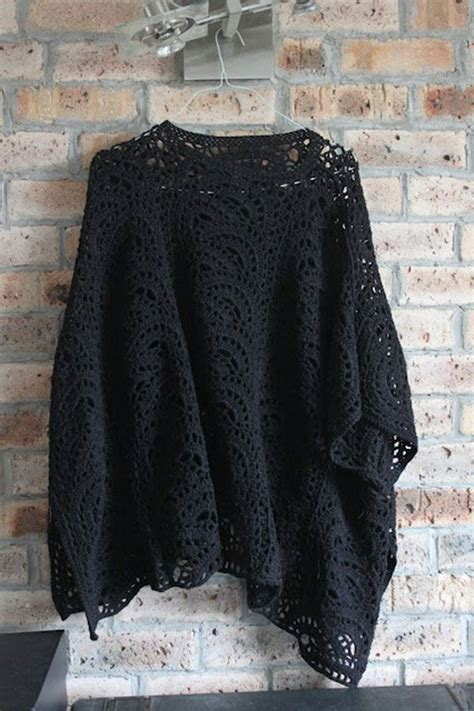 crochet poncho pattern free pinterest 1000 images about crochet ponchos on pinterest poncho