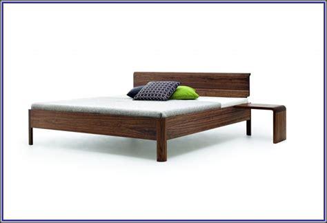 Bett Mit Integriertem Nachttisch by Bett Mit Nachttisch Bett Mit Integriertem Nachttisch