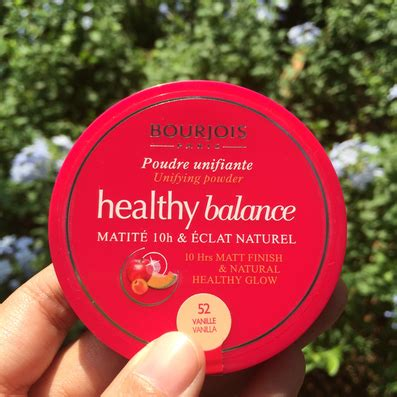Bedak Bourjois review bourjois healthy balance unifying powder hey