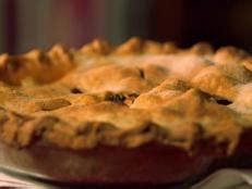 thibeault s table apple pie with leaf crust heartland table food network