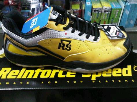 Sepatu Badminton Yonex Ultima 87 Pro sepatu badminton yonex rs flypower o3 murah kaskus