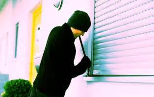 ladri appartamento sommatino furto notturno in una tabaccheria canicatti