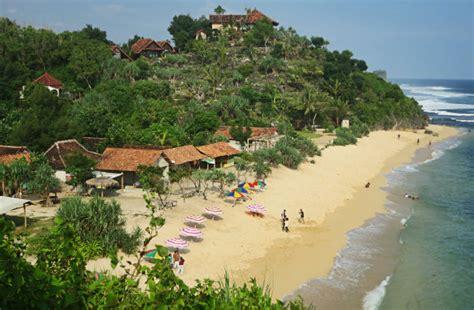 pantai sadranan lokasi menyelam  snorkeling  jogja