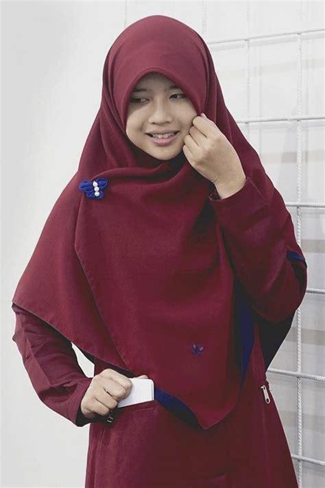 Lapak Jilbab Pashmina Glitter 012 contoh jilbab warna gold koleksi inaya jilbab segi empat