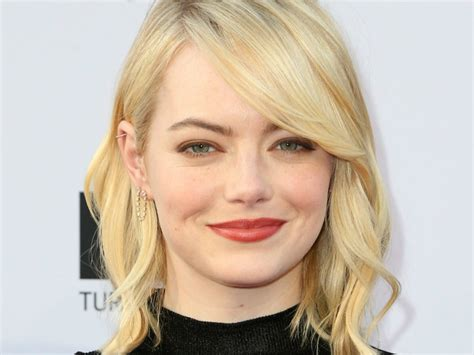 emma stone platinum blonde emma stone has gone platinum blonde look magazine