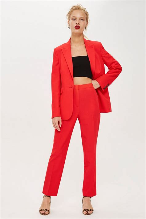 color suite 21 ways to wear pantone s color of the year living coral