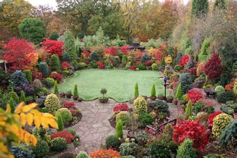 Fall Flower Gardening Fall Seasonal Ideas Decorating Flower Gardens Outdoortheme