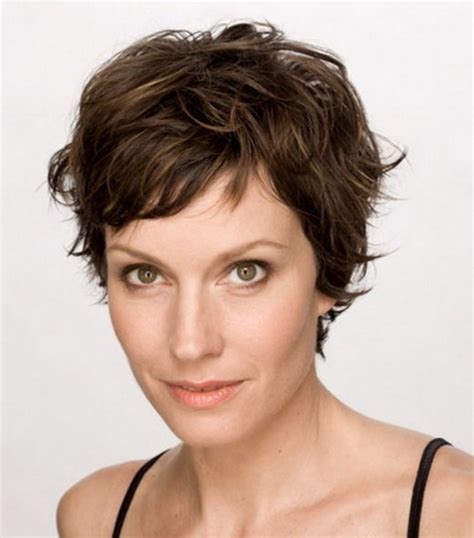 hair cuts for slightly wavy hair pixie haircuts for wavy hair