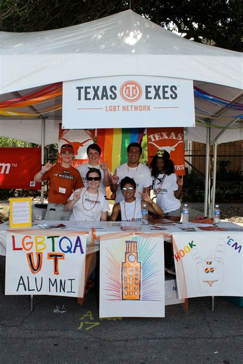 Lgbt Mba Programs by Lgbt Longhorns Celebrate At Houston Pride The Alcalde