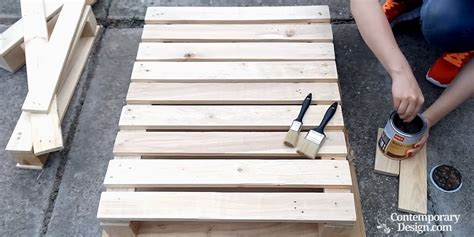 make a pallet coffee table how to make a pallet coffee table easy diy