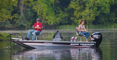 bass pro boats tracker the pro 160 is the smallest boat in tracker s quot bass
