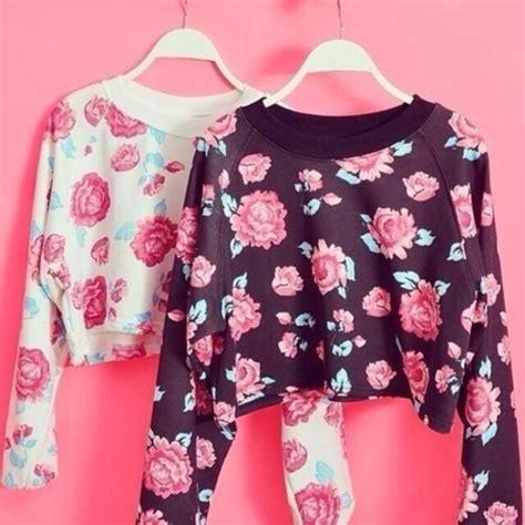 Flower Top Blouse Crop Top sweater floral pink blue flowers black pink flowers