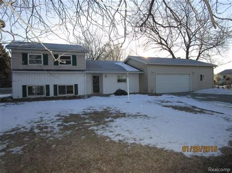 houses for sale in fowlerville mi fowlerville michigan reo homes foreclosures in fowlerville michigan search for reo