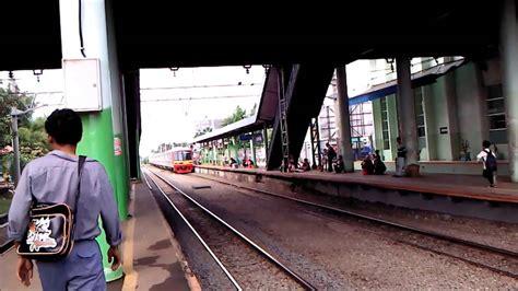 Kereta Tut Tut Tutt naik kereta api tut tut
