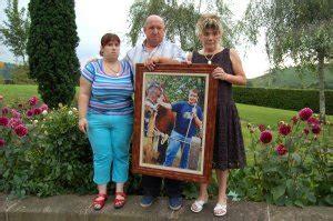 imagenes extrañas a una persona la extraa desaparicin de un joven del baztn diariovasco com