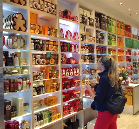 the shoppe file the shop houston airport nov 2013 jpg wikimedia commons