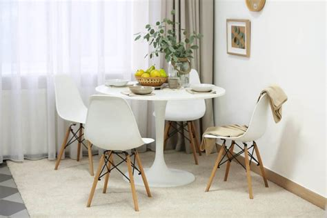 fit  dining table   small living room
